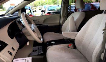 2012 Toyota Sienna LE full